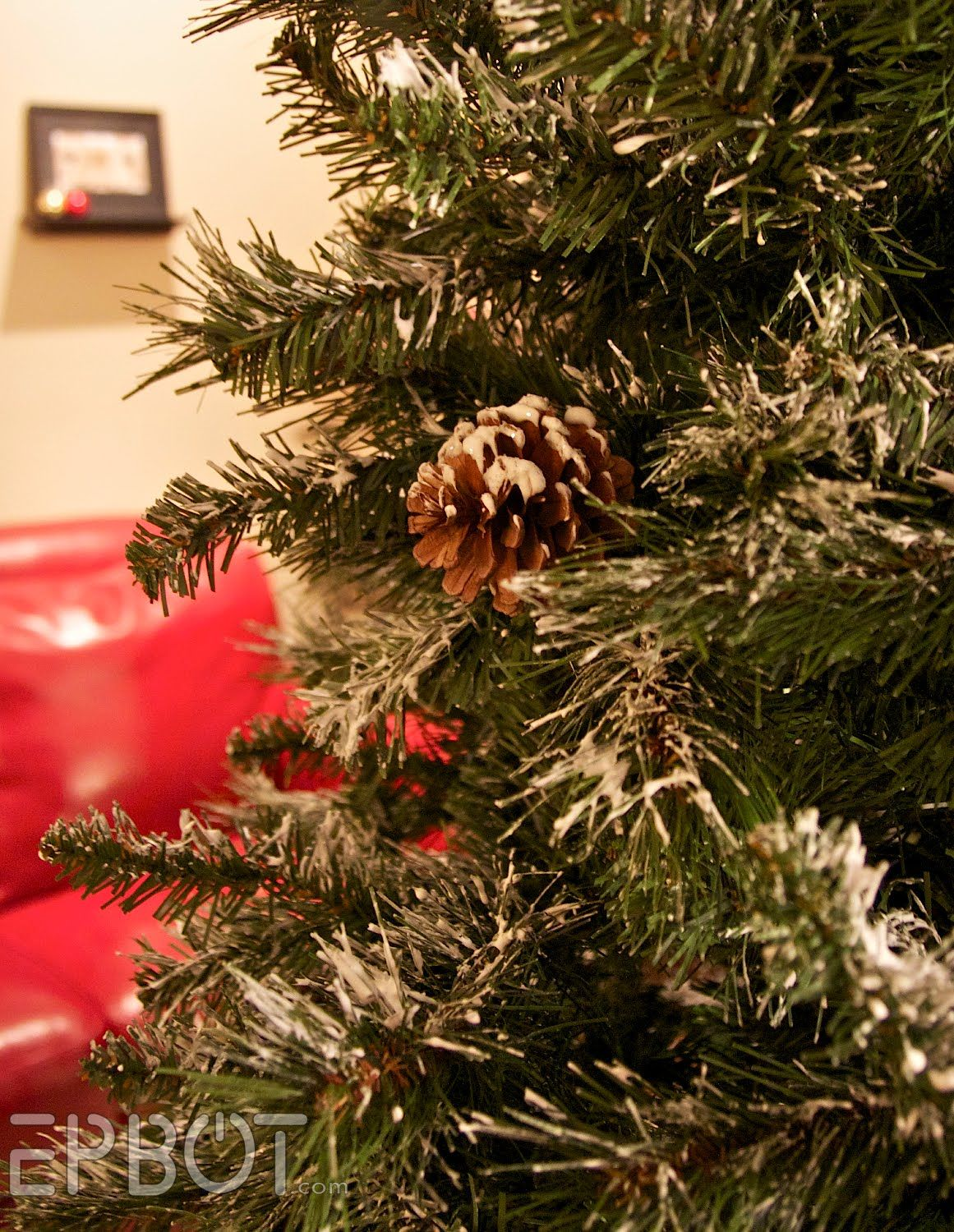 diy flockingfake snow for your christmas tree using lightweight drywall spackle