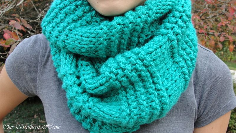 Knitting Pattern Infinity Scarf Straight Needles : Quick & Easy Knitted Infinity Scarf Stockinette and Infinity