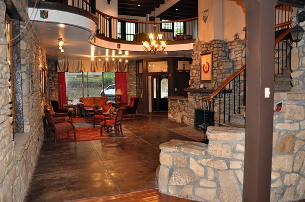 Ye Olde English Inn At Hollister Mo Just Outside Of Branson