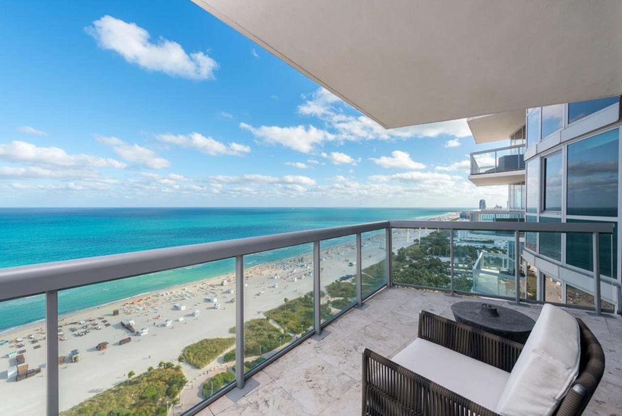 20 Stunning Luxury Beach Apartment Terrace Ideas Decorecord Apartment Terrace Beach Apartment Luxury Beach