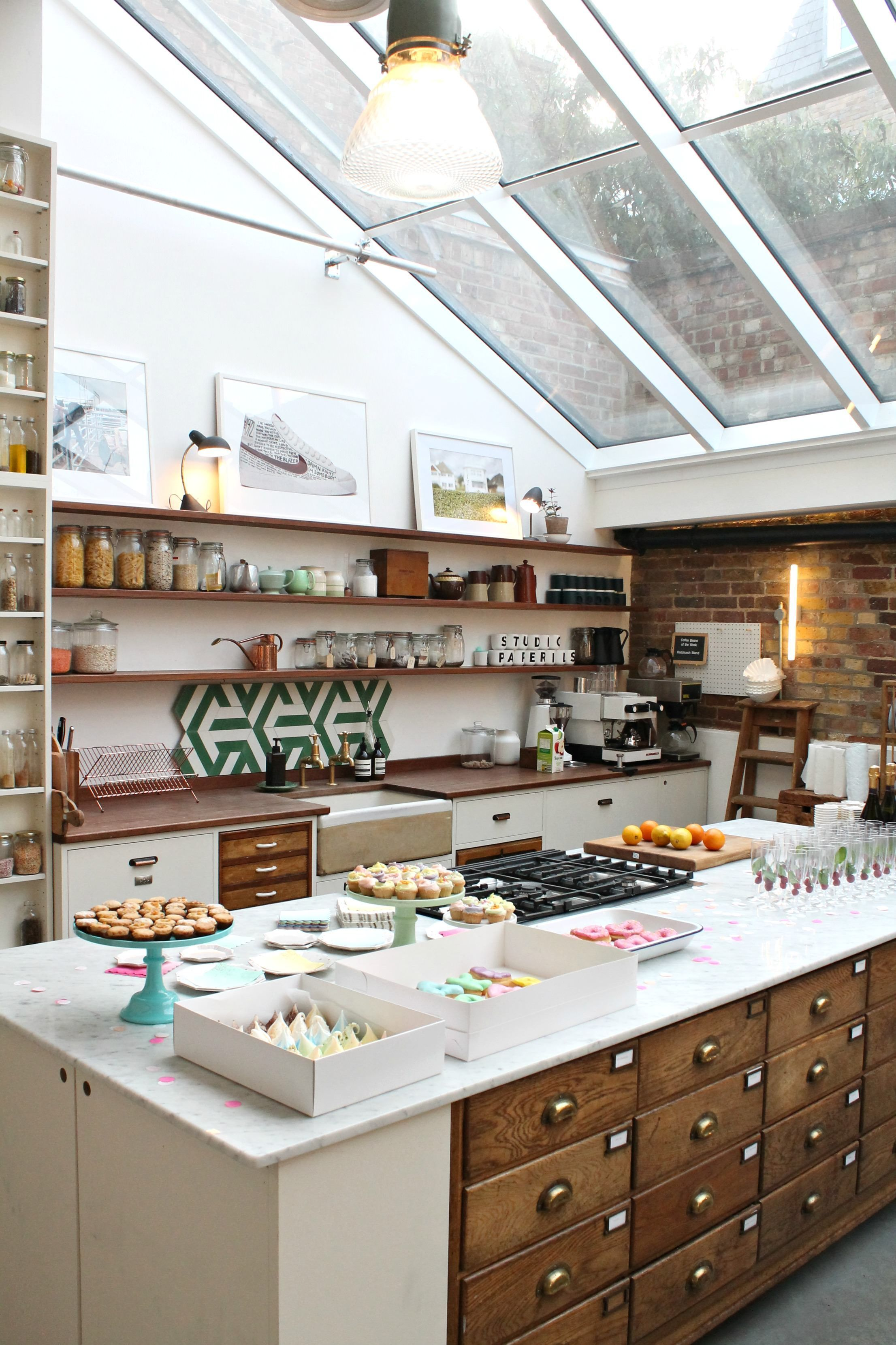 Vintage style kitchen where Jamie Oliver cooks – Papermill ...