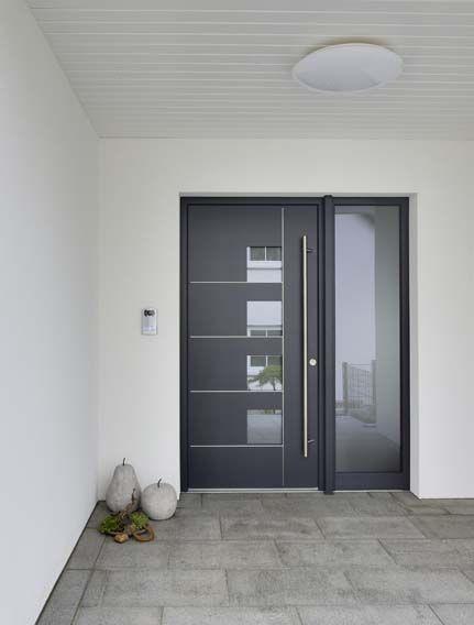 Haustür Gefällig: Ein Hübscher Eingangsbereich Im Heinz Von Heiden Bungalow