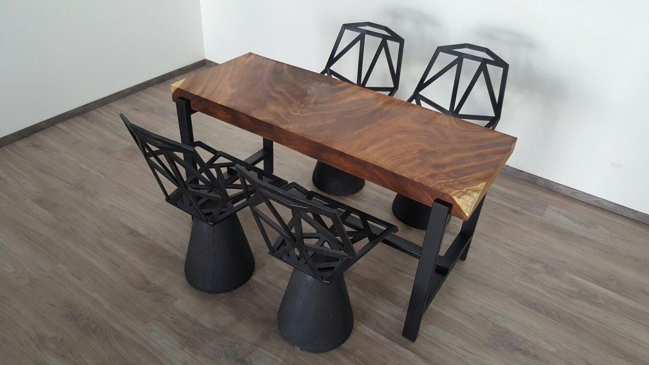 Mesa de trabajo de parota y sillas de parota design for Sillas de trabajo