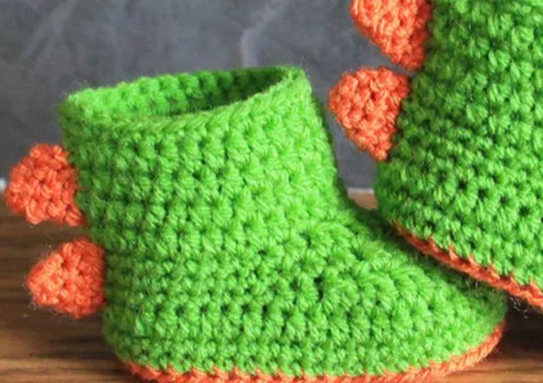 6ba741bfc3060 Crochet Pattern Dinosaur Baby Booties Free | projects | Crochet baby ...