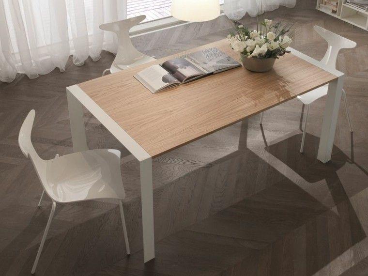 Mesa de madera y sillas de plastico blanco para el comedor moderno ...