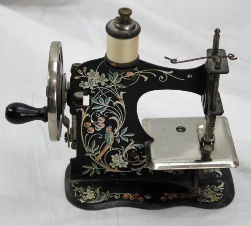 Antique Germany SALESMAN'S SAMPLE Mini Miniature Toy German Extraordinary German Sewing Machine