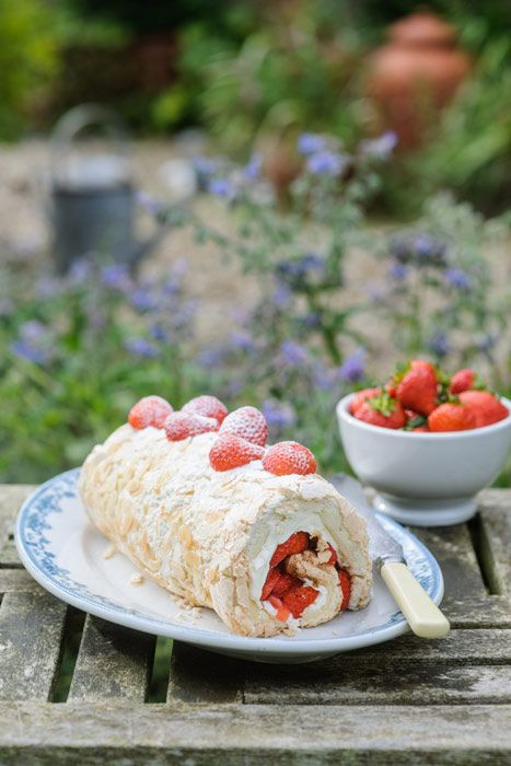 Strawberry Meringue Roulade with Mascarpone