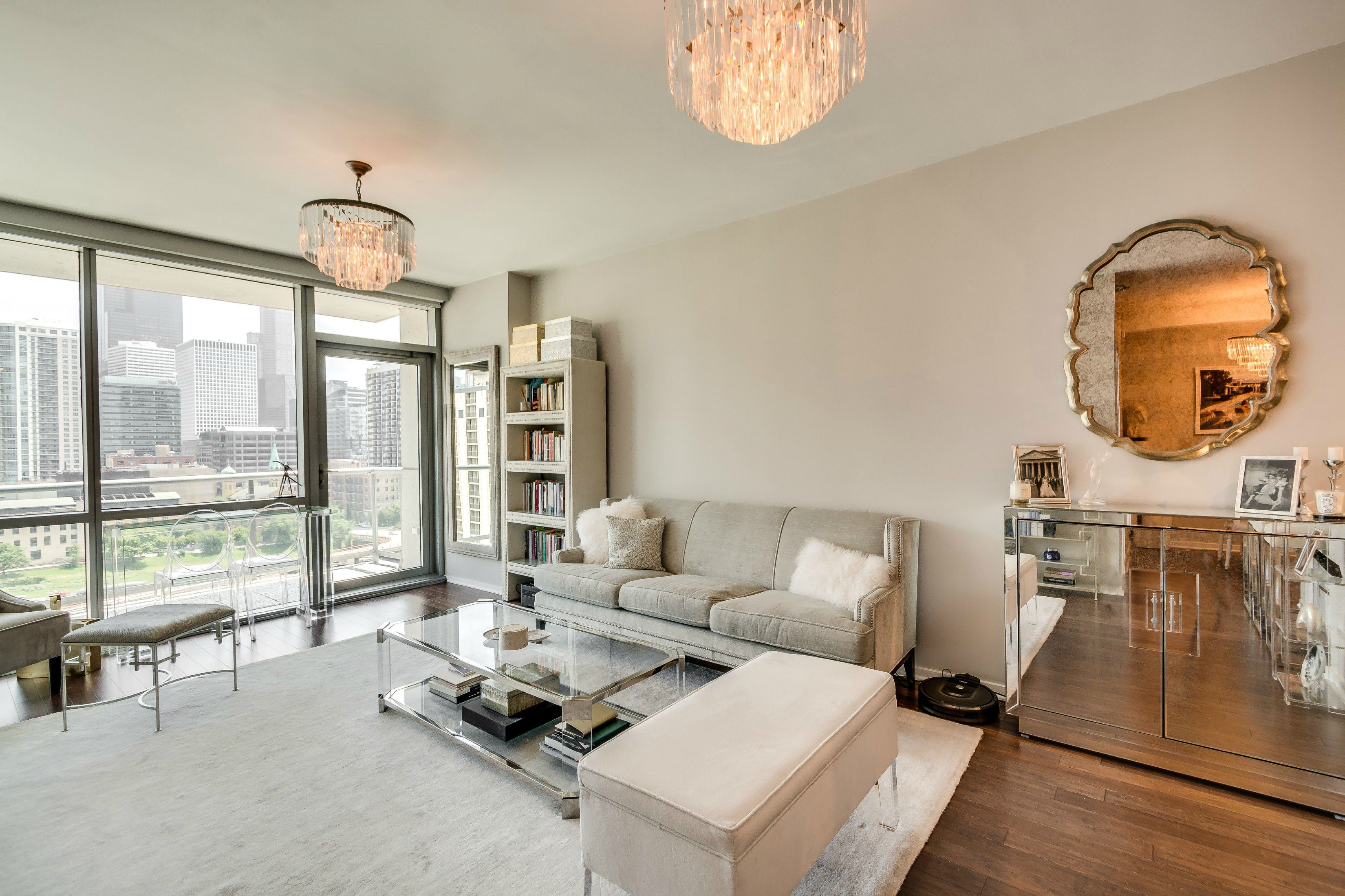 123 S Green St Chicago Il 60607 Modern And Contemporary