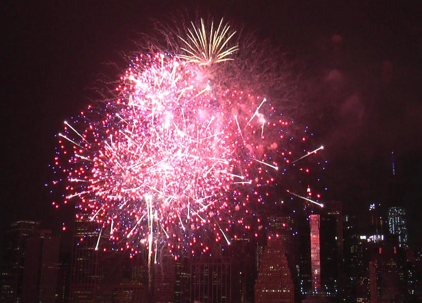 2016 NYC Macy's 4th of July Fireworks. Unedited Video