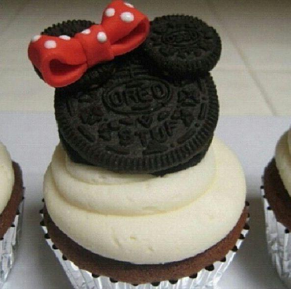 Minnie Mouse Oreo Double Stuffed Cupcake