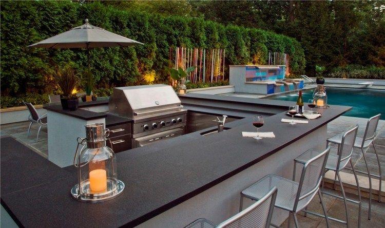 Outdoor-Küche mit Bar am Pool und schöne Wasserfall-Anlage | Outdoor ...