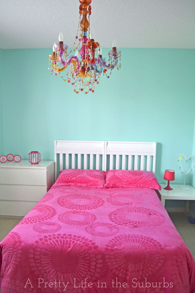 turquoise hot pink room a pretty life for the home 19986 | ce3ba117f0953242677a3842d49094bb