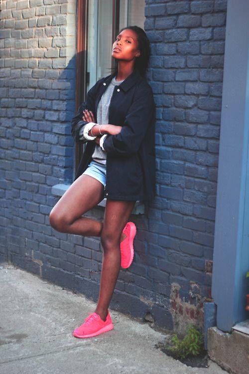 288ba55cfa14  WholesaleShoesHub  COM Girls wearing sneakers  ) Nike Roshe Run.  sneakers