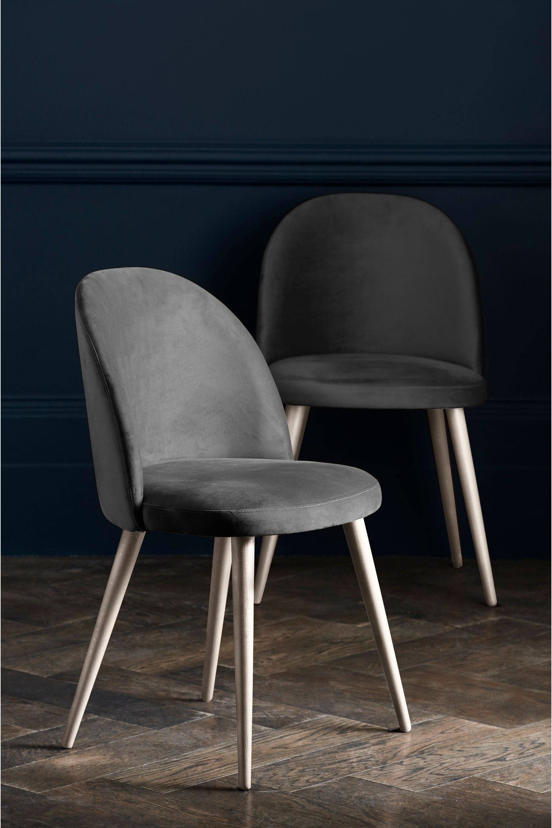 Next Set of 9 Zola Dining Chairs With Light Legs - Grey in 9090