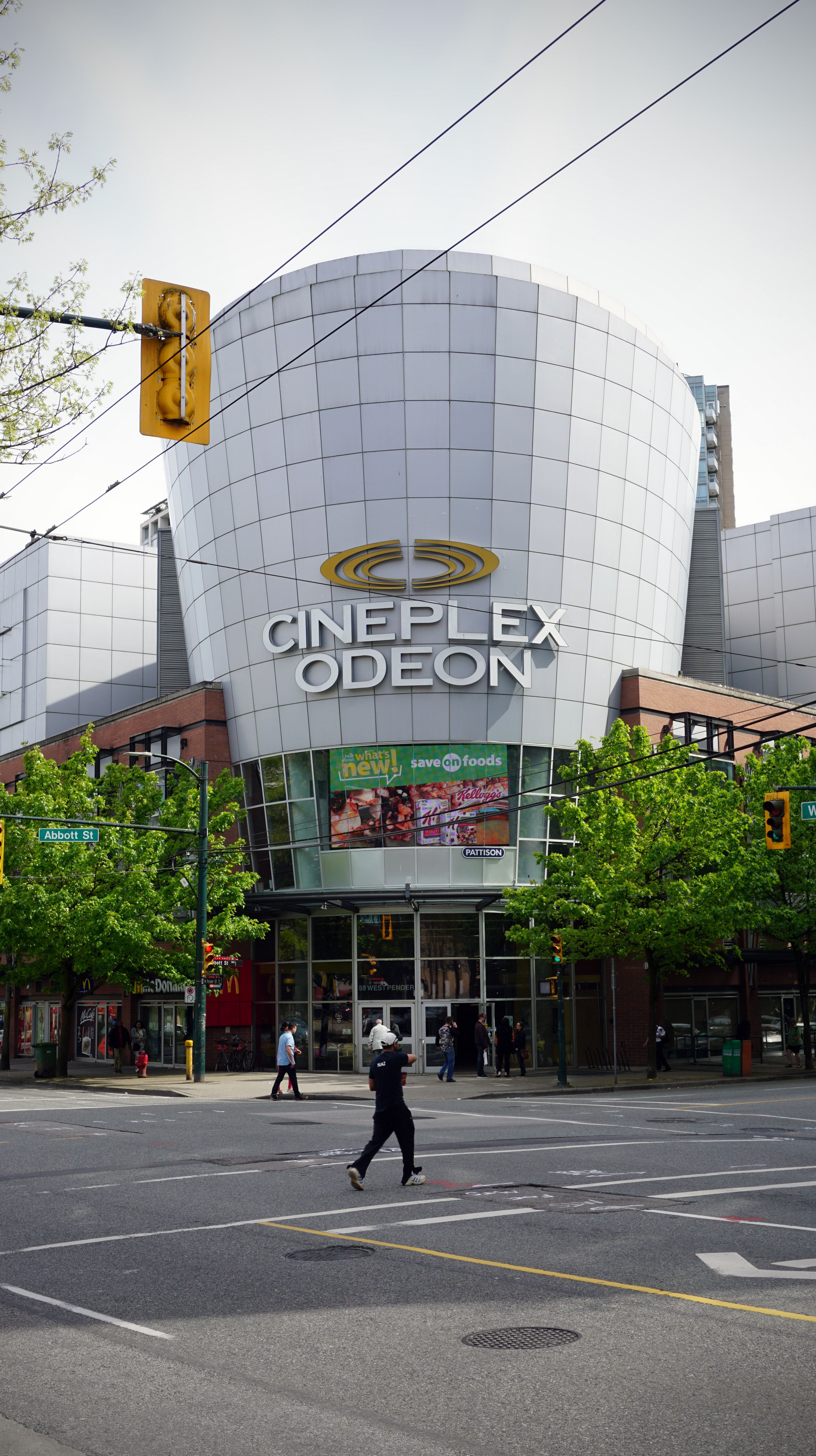 Cineplex Odeon International Village Cinemas First Opened On May 25th 1999 Going By The Name Of Tinseltown 12 And O With Images Downtown Vancouver Romantic City Free Park