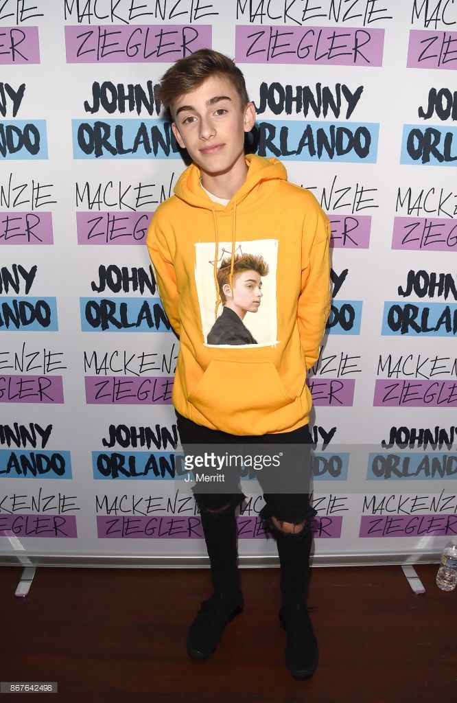 Johnny orlando mackenzie ziegler in concert millvale pa johnny orlando poses during a meet and greet on the day night tour at mr smalls on october 28 2017 in millvale pennsylvania m4hsunfo