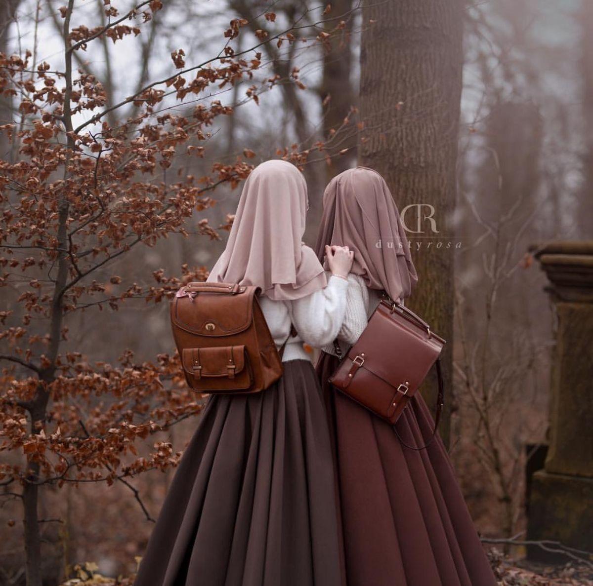 Pin oleh shaimaa di Best friend Pakaian keren, Wanita