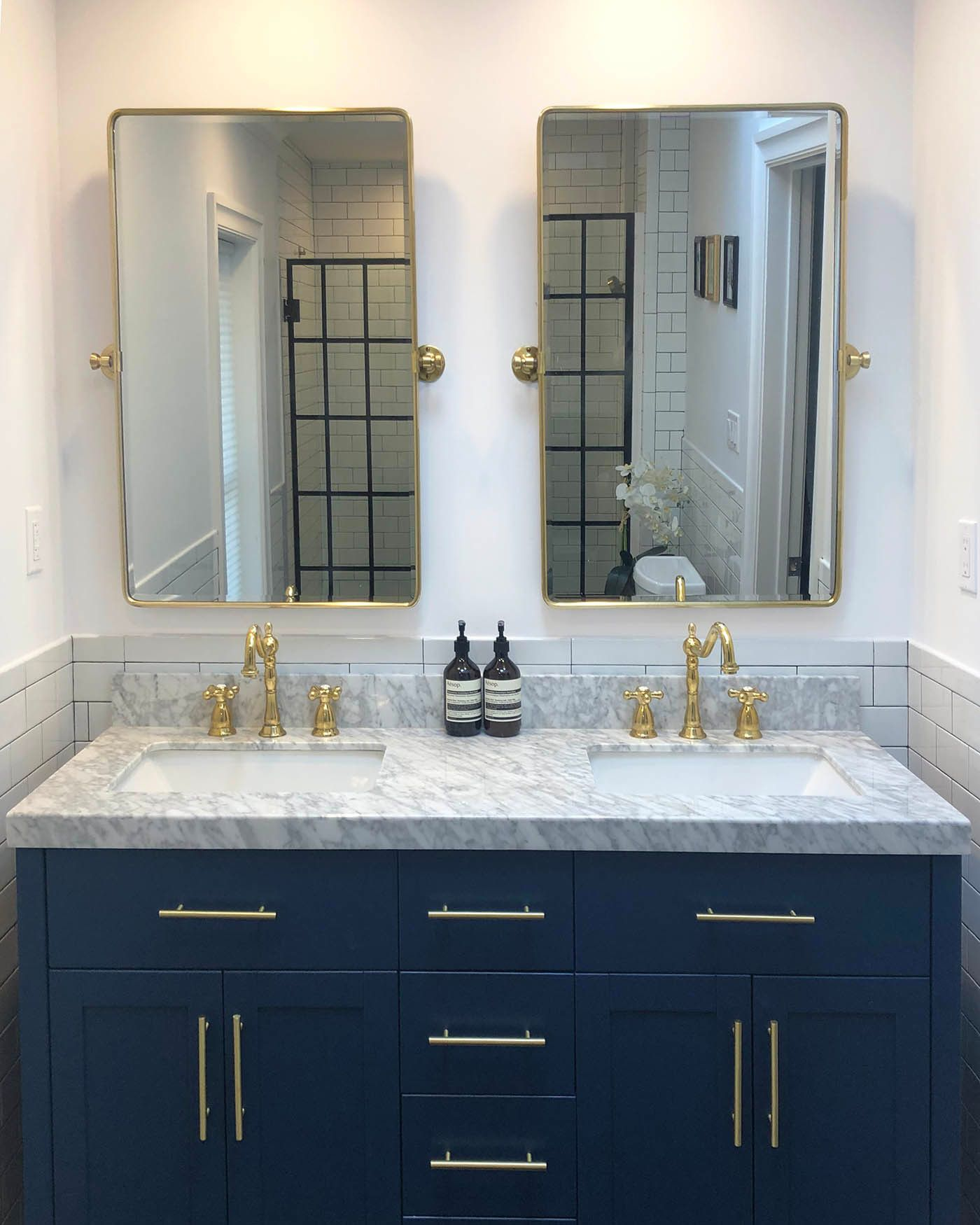 the best bathroom paint colors and how to use them on wall paint colors id=97417