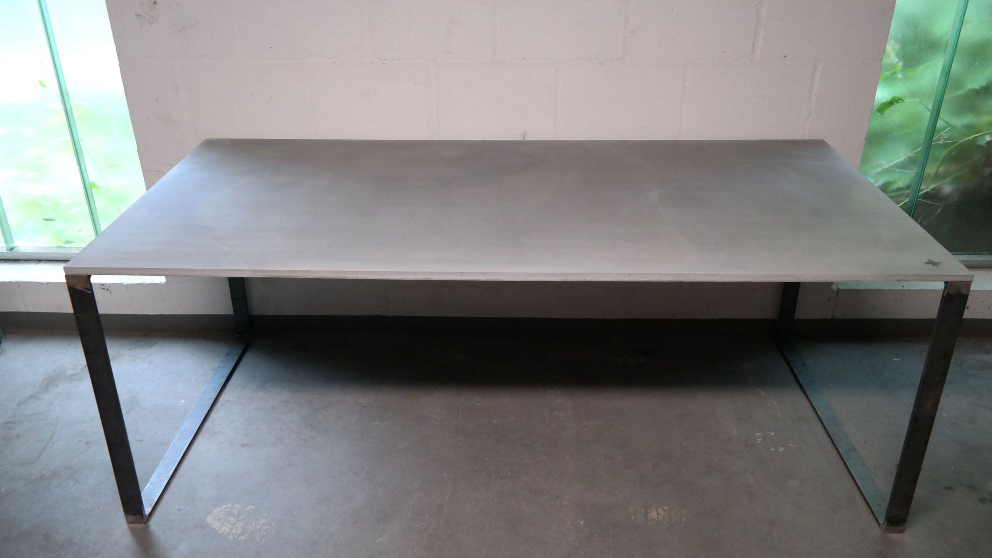 Esstisch betonplatte