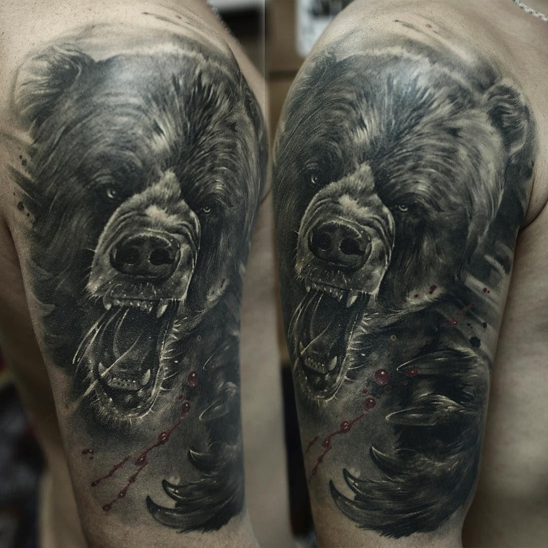 Фото объемных татуировок на предплечье грачей высоких