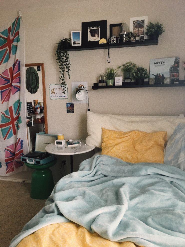 august archive | Aesthetic bedroom, Grunge room, Aesthetic ...