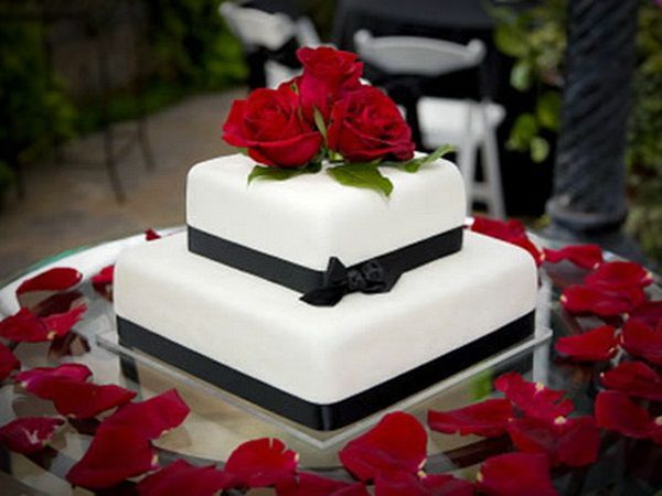 square 2 tier cake for weddings pictures 2 Tier Wedding Cake Ideas 2 ...
