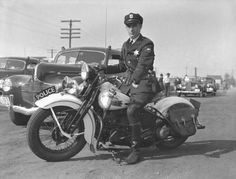 This Is Bob Drost Tacoma Police Department Motorcycle Traffic Officer On A Police Bike During The September 23 194 Harley Davidson History Motorcycle Police