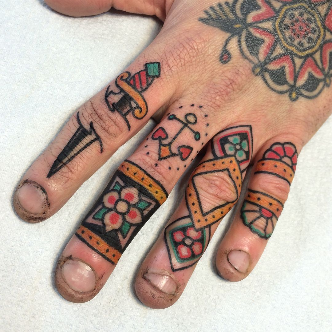Electric Tattoos Kari Grat Traditional Hand Tattoo Hand Tattoos For Guys Tattoos