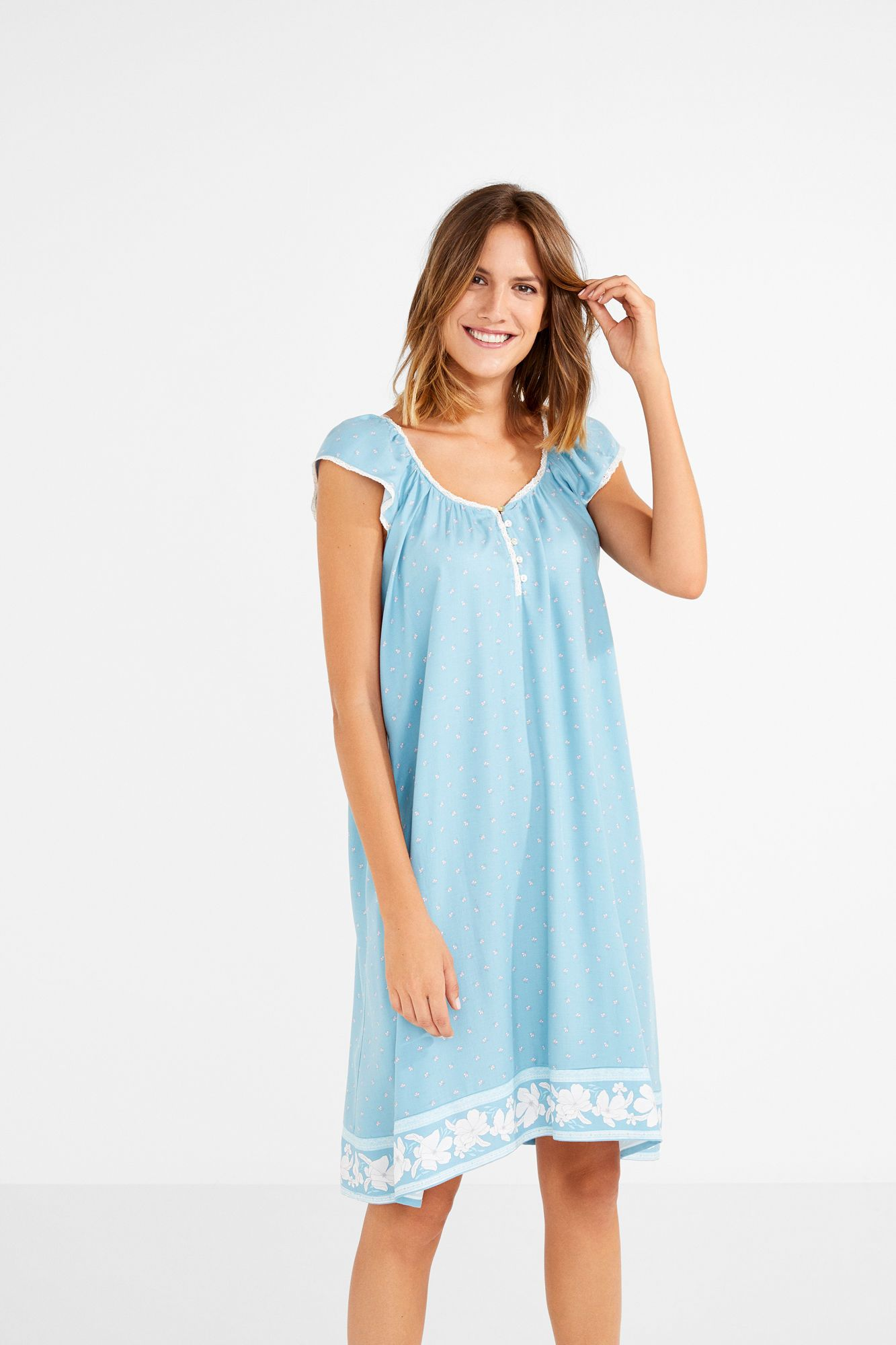 52f400a55bcfe Camisón de mini flores | sleep wear | Pinterest | How to wear and Sleep