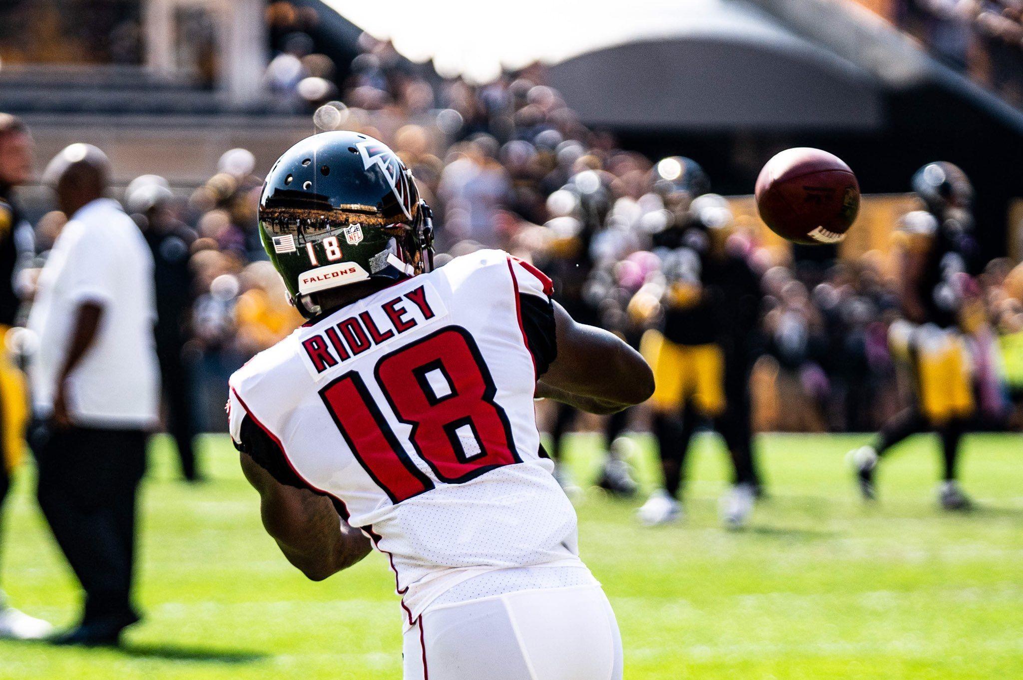 Pin By Brianna Barton On Calvin Ridley Football Helmets Kansas Chiefs Atlanta Falcons