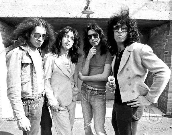5 Amazing Photos Of Kiss Without Makeup In The 70 S Kiss Without