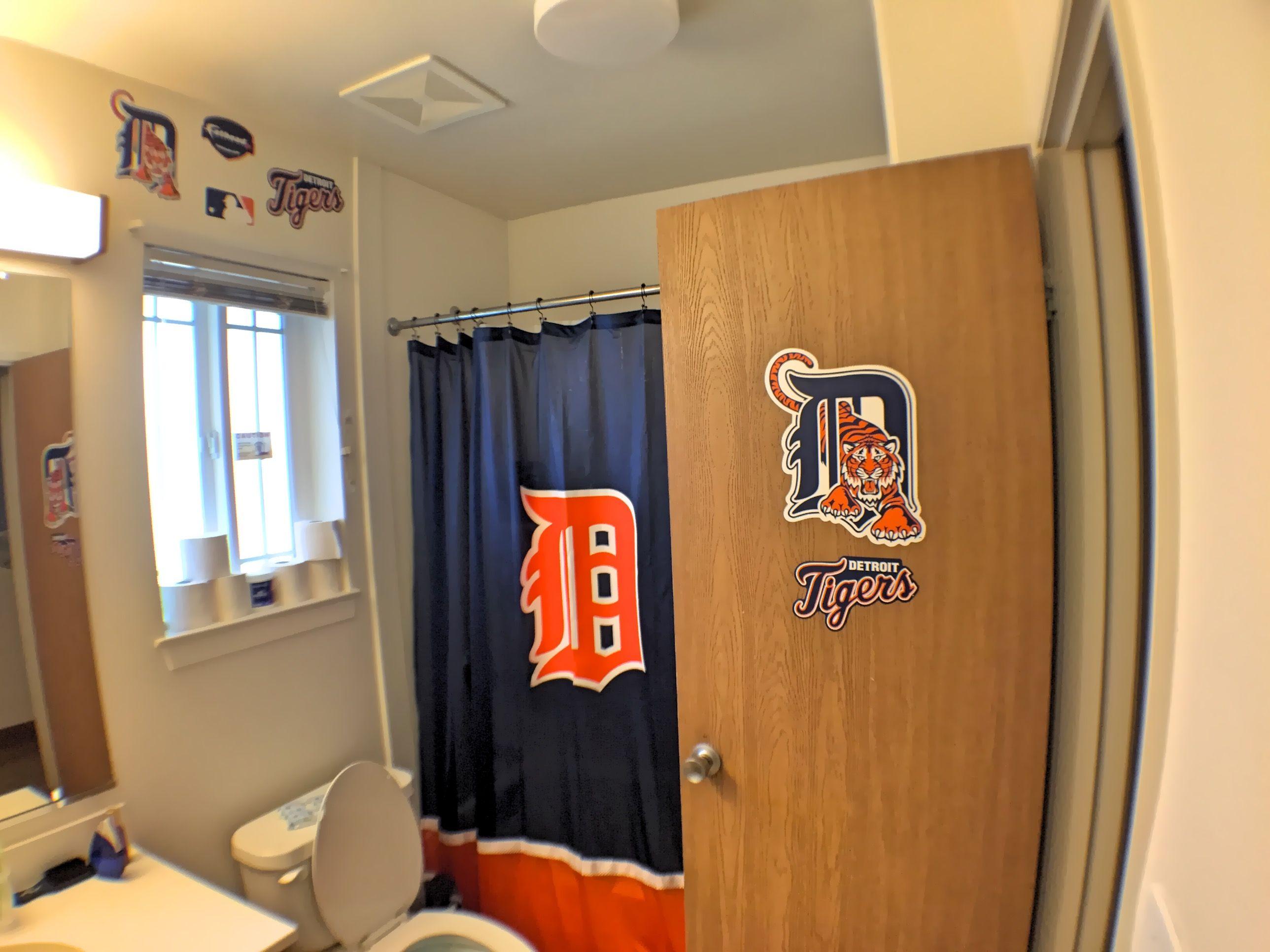 Detroit Tigers bathroom decor #Fathead | Bathroom | Pinterest ...