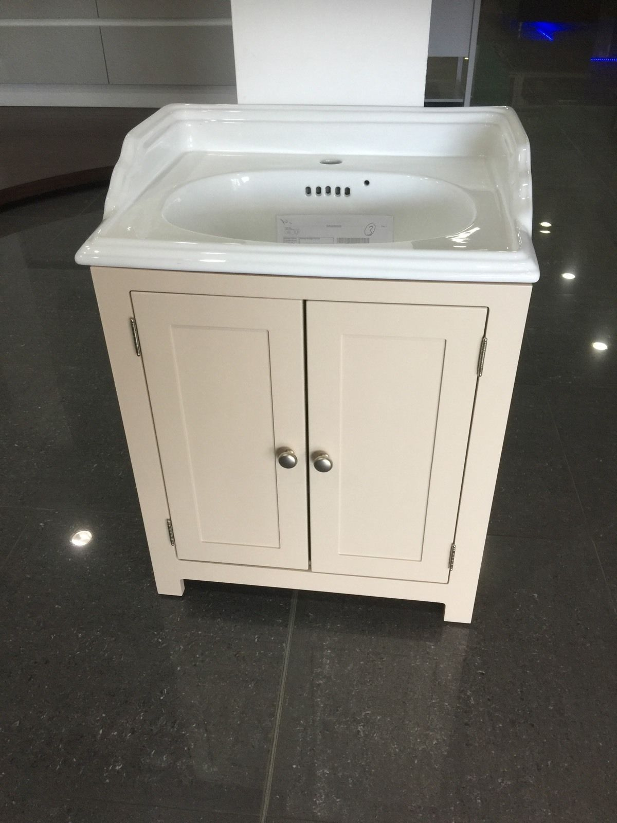 Painted Shaker Traditional Vanity Wash Stand Unit 600mm wide Bathroom Cabinet, in Home, Furniture & DIY, Bath, Sinks | eBay