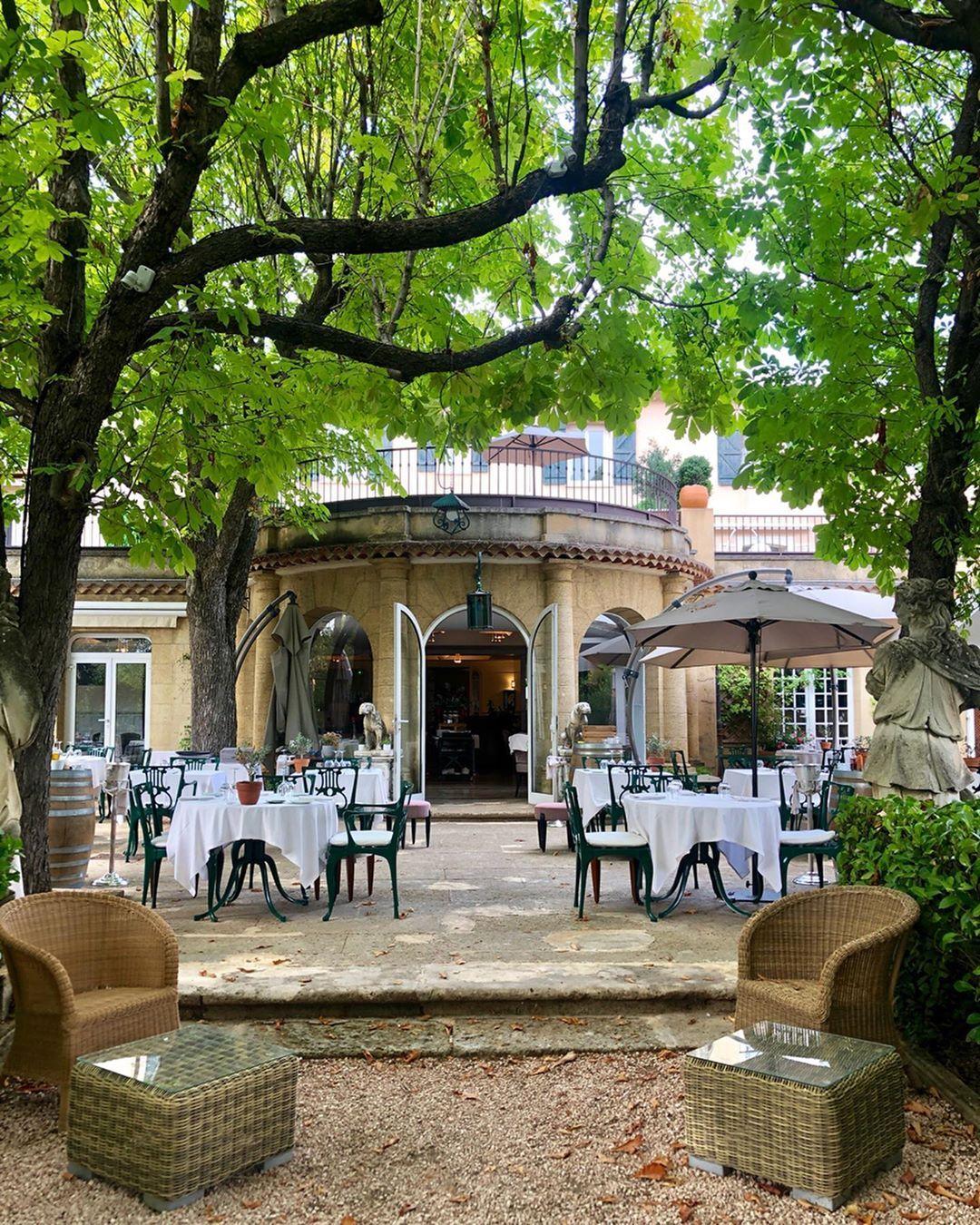 La Table du Pigonnet 🌿- simply charming and always delicious ⬅️swipe @lepigonnet