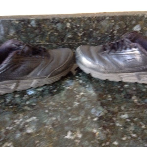 For Sale: Brooks Addiction Walking Shoes for $35 – Secondhand Clothing & Accessories To Buy