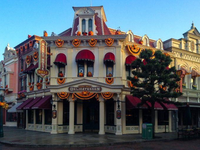 Halloween at Disneyland Paris Main street and Disney parks