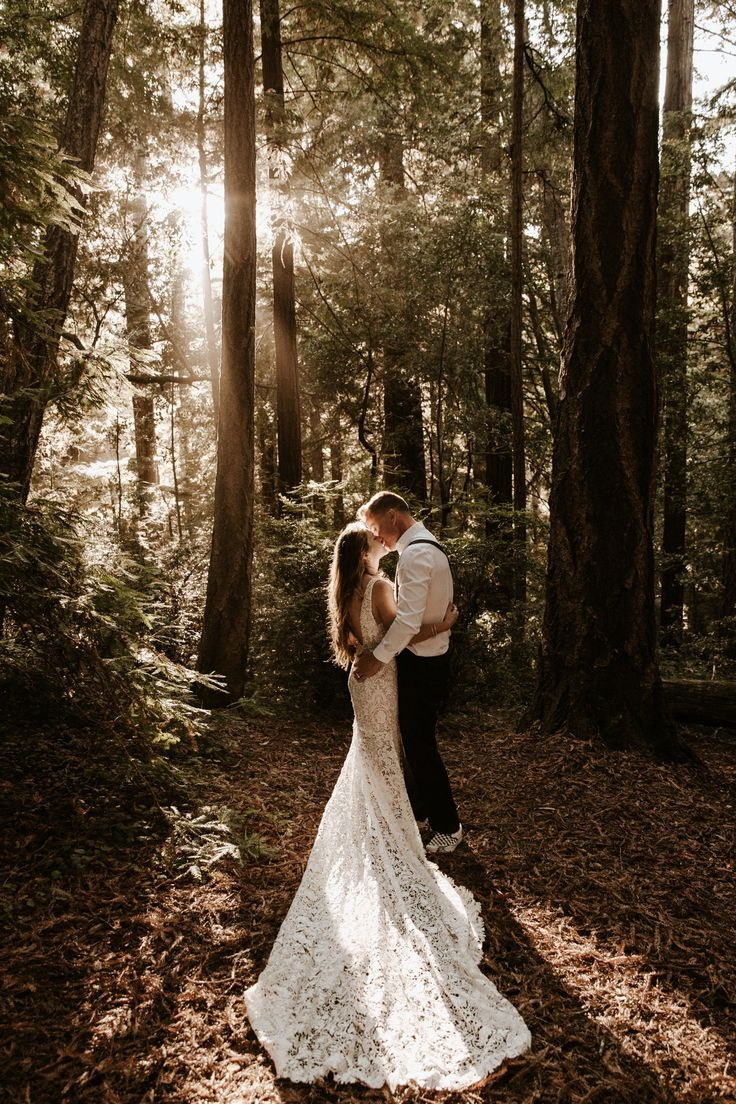 Paige Nelson Photography Intimate Weddings Small Wedding Blog Diy Wedding Ideas For Small And Intimate Weddings Real Small Weddings Intimate Wedding Photographer Wedding Photos Poses Wedding Photographers