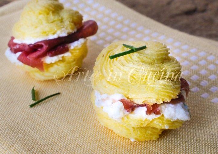 Baci di patate con stracchino e bresaola finger foods finger
