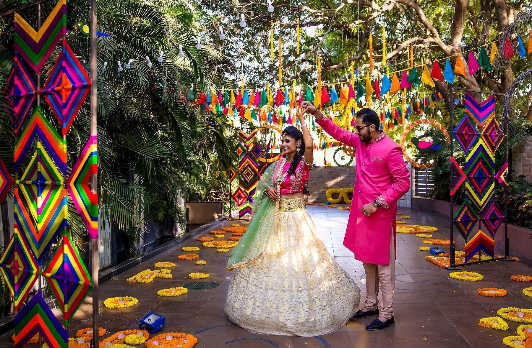 Mela theme colorful mehndi sangeet wedding photography ahmedabad mela theme colorful mehndi sangeet wedding photography ahmedabad junglespirit Gallery