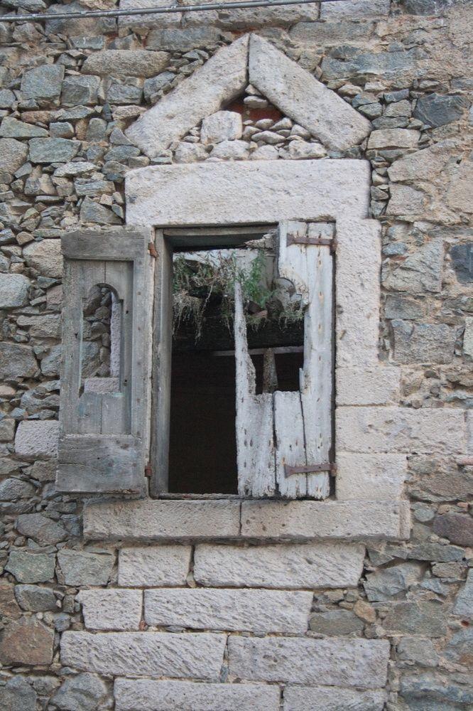 Architecture déconstructive de hadrien