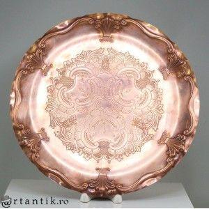 elegant platou victorian. cupru repousse. cca 1900 Marea Britanie