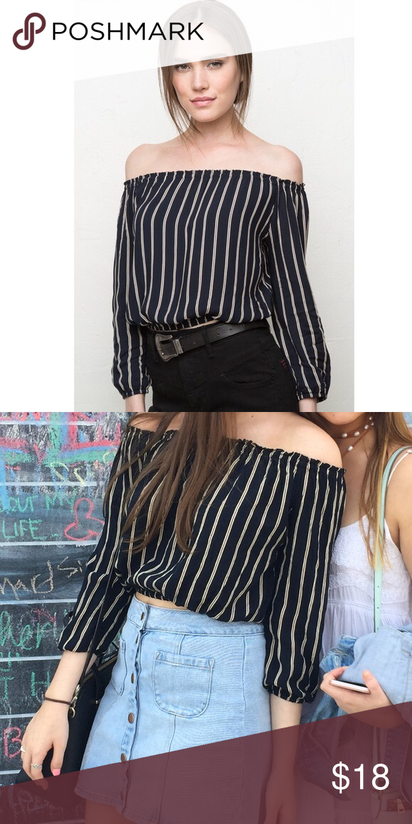 d3ab29f5a8c814 brandy melville stripped maura top Worn once!!! Is in perfect condition and  super comfy Brandy Melville Tops