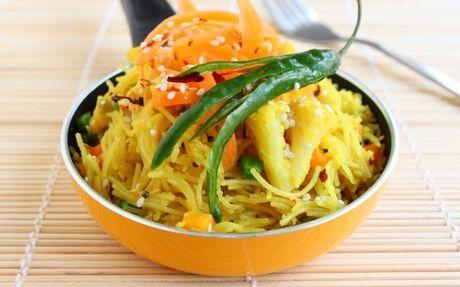 Sesame Chilli Vermicelli Recipe by Sanjana Modha