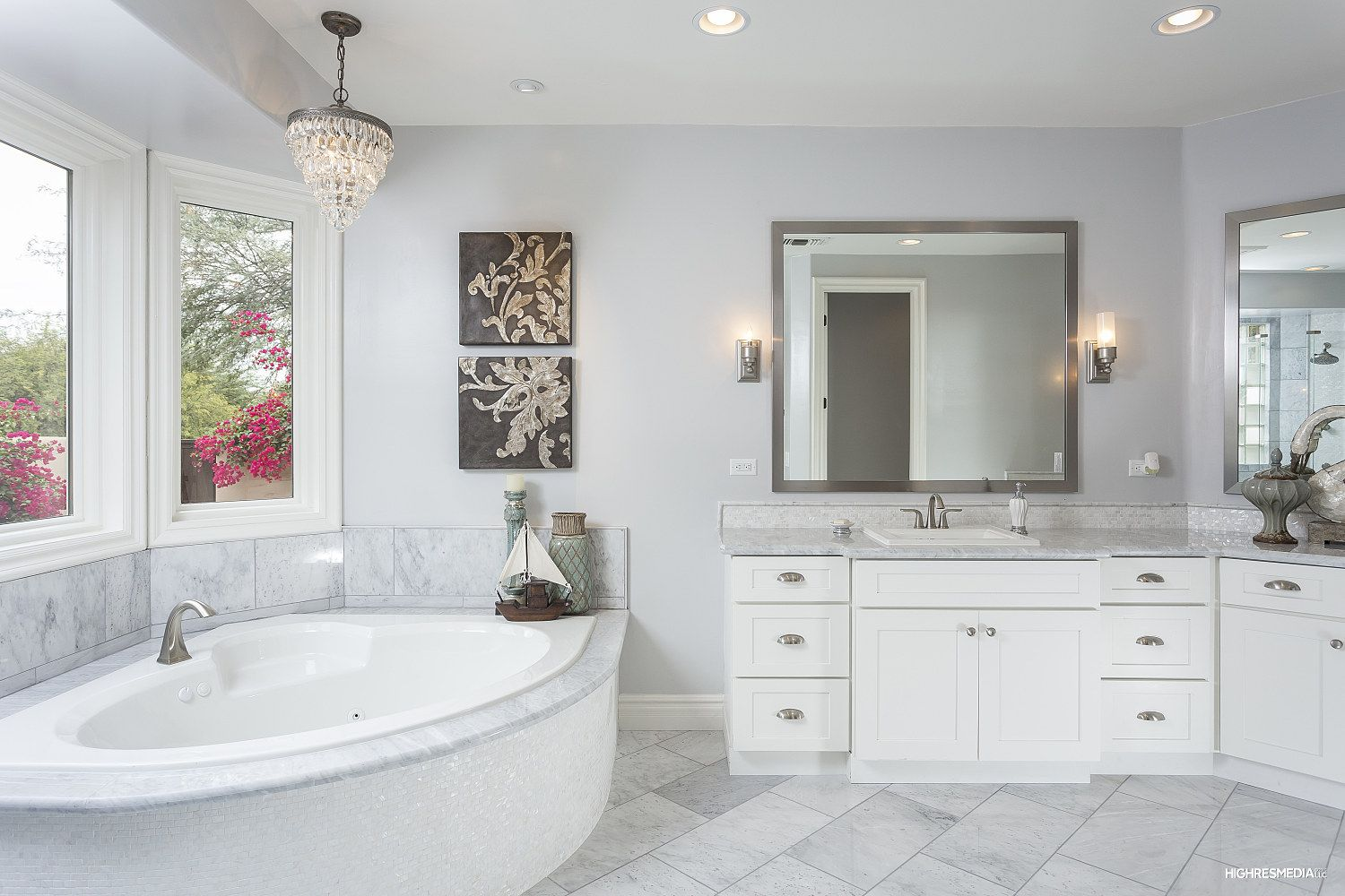 AMAZING master bath! Marble counters, marble floors, double sinks and huge tub with jets!