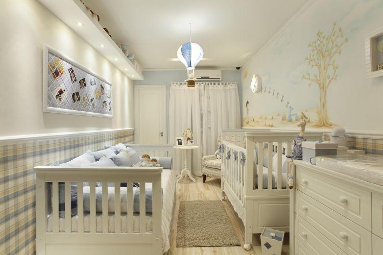 {Quarto de Bebê} Quarto bonito em espaço pequeno.