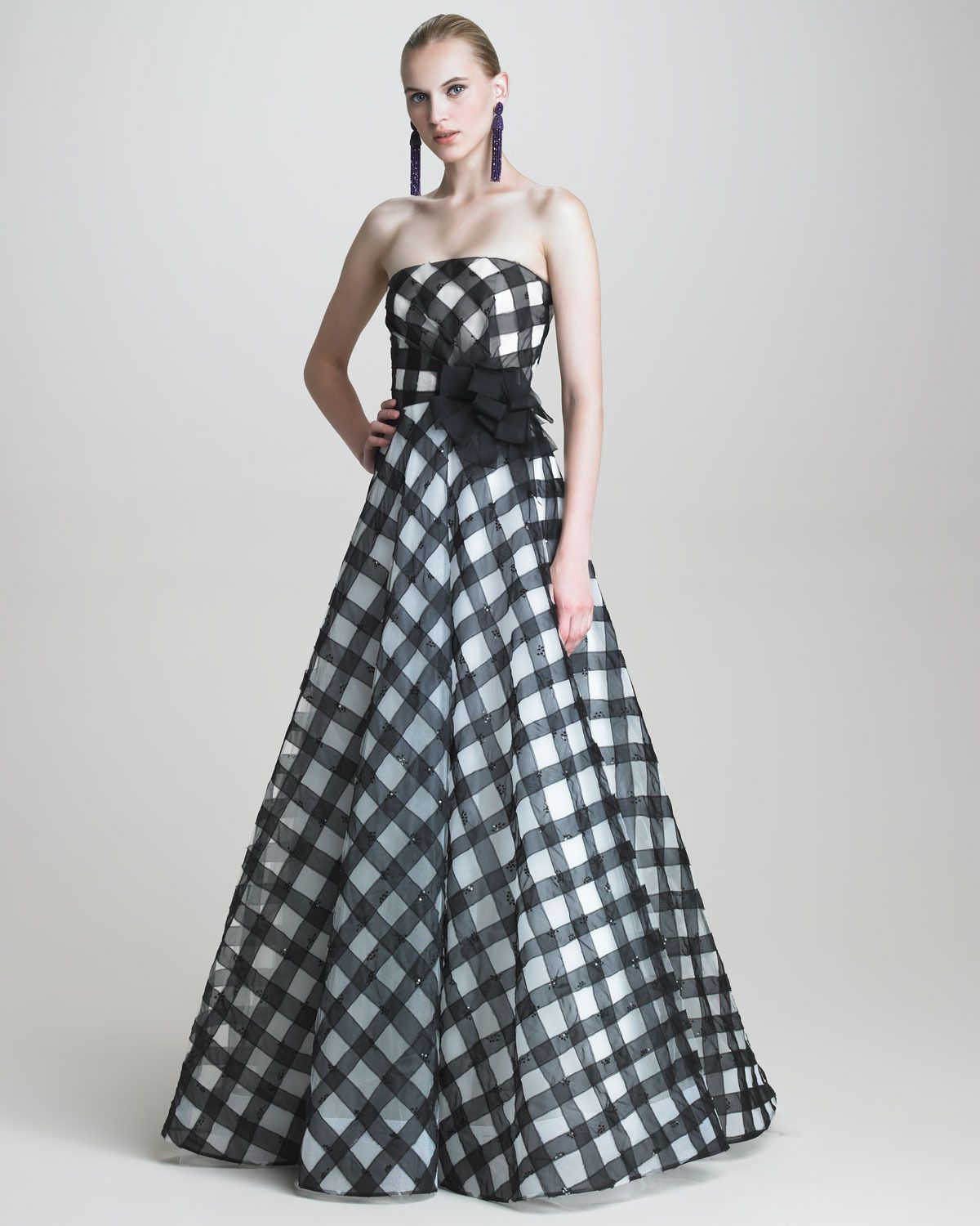 Strapless gingham gown outfitaccessories pinterest gingham strapless gingham gown black evening dressesneiman marcusoscarsbridesmaid ombrellifo Image collections