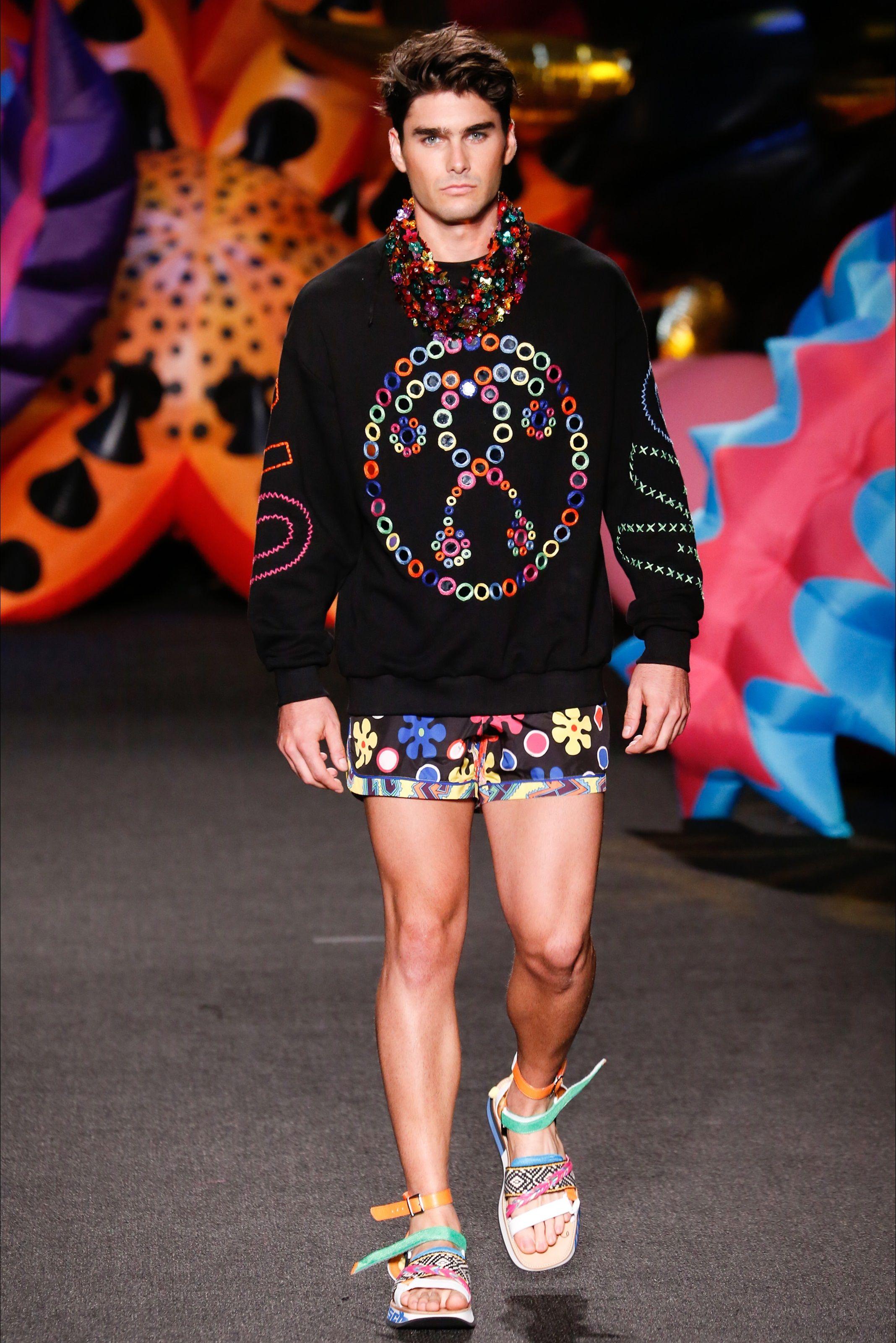 7b88b8caf9ff Sfilata Moda Uomo Moschino Los Angeles - Primavera Estate 2017 - Vogue