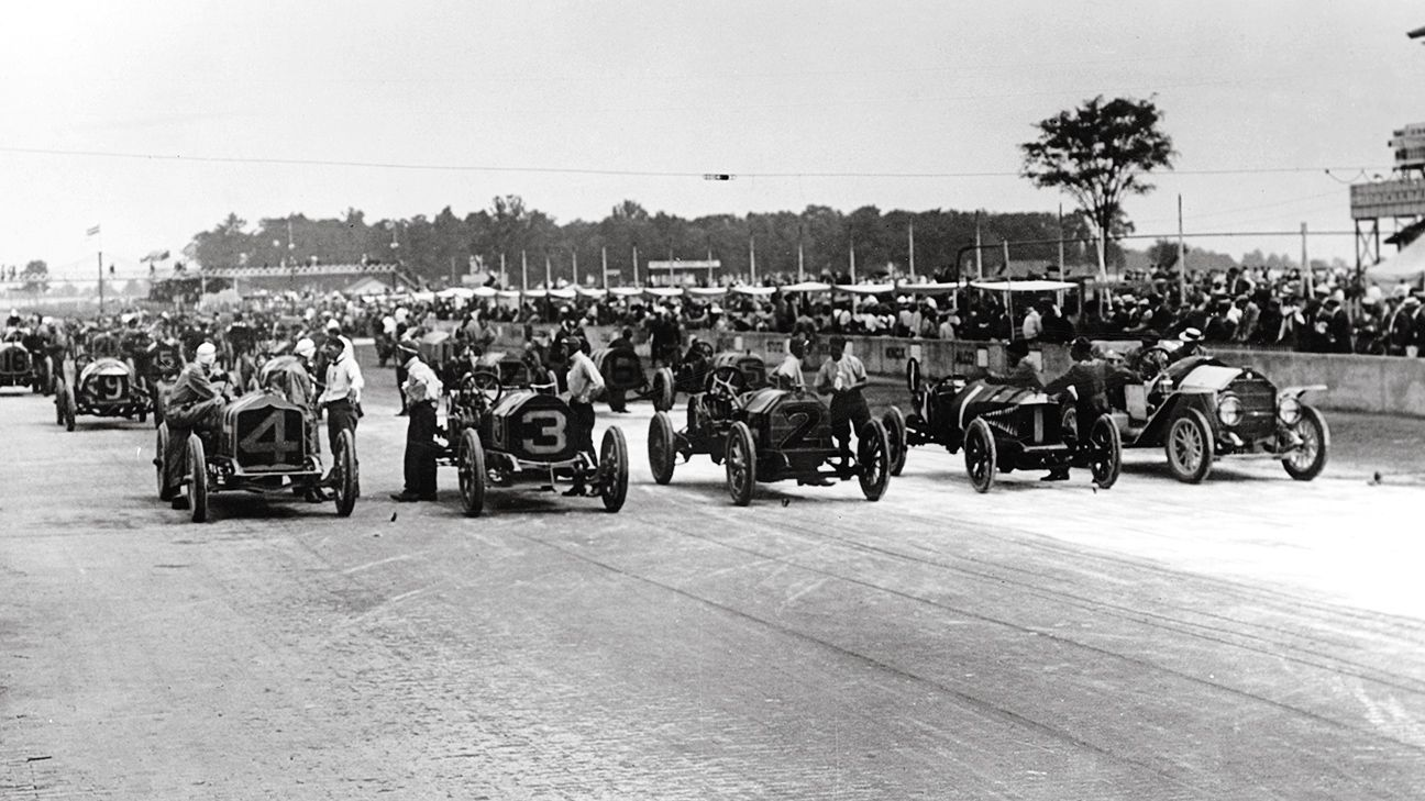 Start of the 1911 Indy 500. This year will be the 98th running of this storied event. I love it.