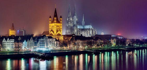 Kolner Altstadt Zwei Nachte Lang Beleuchtet Altstadt Nacht Reisen