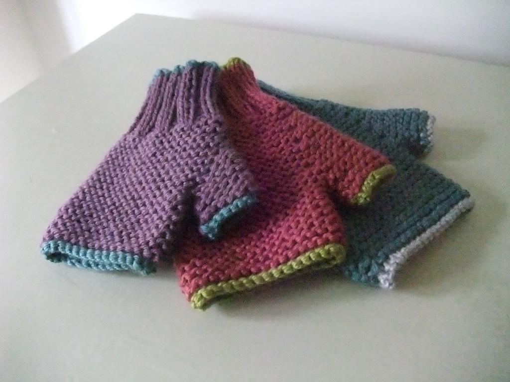 (6) Name: 'Knitting : Children's Carrie Fingerless Mitts ...